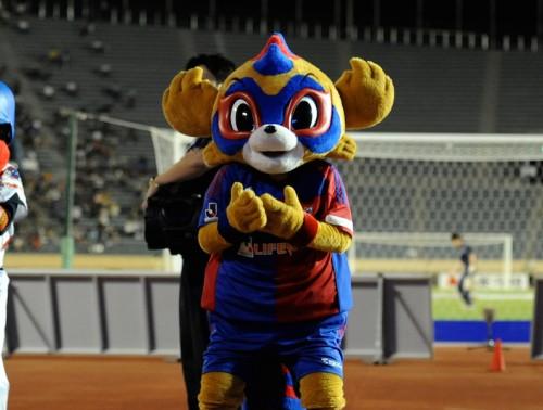 FC東京、「東京ドロンパ」と「アイドリング!!!」のコラボ実施