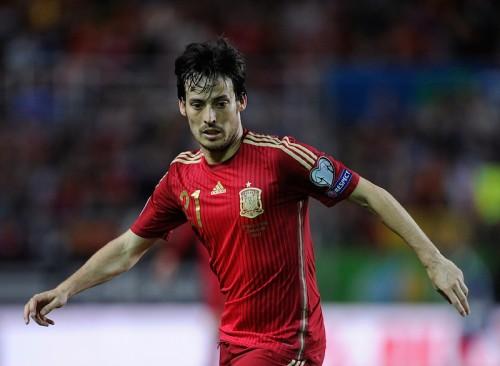 スペイン、指揮官の就任100試合目を白星で飾る…シルバが決勝点