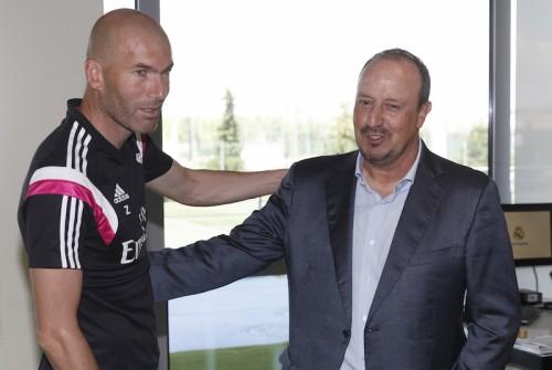 ジダン氏、アンチェロッティ解任もレアル残留を宣言「他の野心はない」