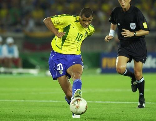 43歳の元ブラジル代表MFリヴァウドが現役復帰「チームを助ける」