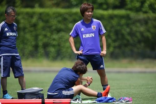 右ひざ負傷の岩渕真奈、国内最後の練習も別メニュー「もう一回やったら終わり」