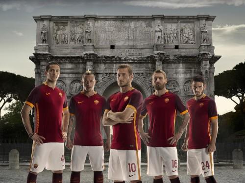 ローマの新ホームユニフォームが発表…希望と歴史を表現