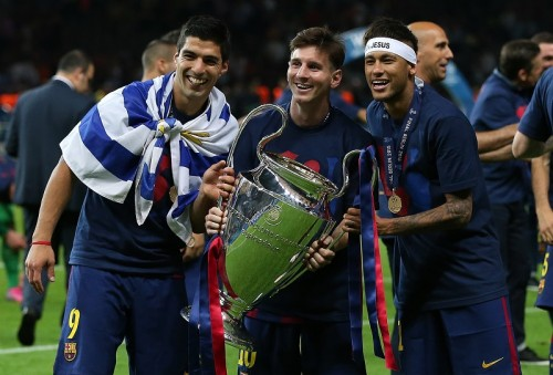 """バルセロナ、三冠を引き寄せたのはペップが""""嫌悪""""した「U字パス」"""