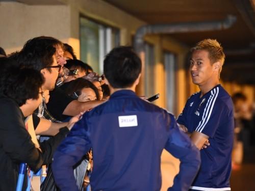 代表合流の本田、FIFAブラッター会長の辞任に「男気がある」