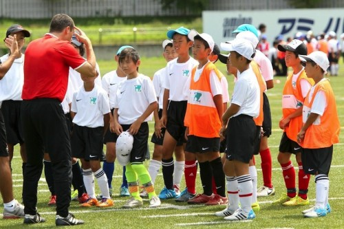 世界基準を学ぶ…サッカーサービス社のジュニア向けキャンプが開催