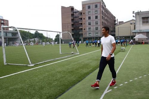 ツエーゲン金沢DF作田裕次が母校・星稜を訪問…選手権の思い出を語る