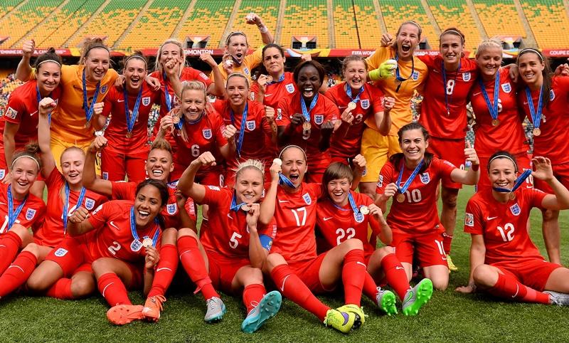 イングランドでも女子サッカーフ...
