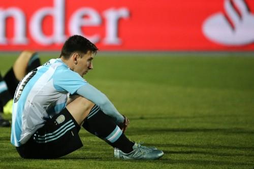 南米選手権の決勝敗退にメッシ「決勝で負けるほど辛いものはない」