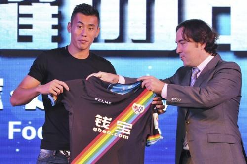 ラージョ指揮官、中国人選手獲得に苦言「スポンサーが選手を押しつけるな」