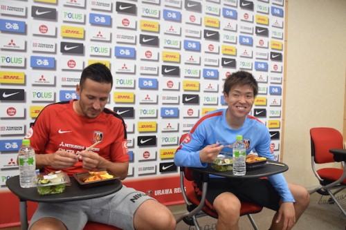 武藤雄樹「妻のオムライスよりおいしい」…浦和レッズの選手が応援弁当の試食会に参加