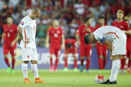 アイスランドとチェコが本戦進出、オランダは予選敗退の危機に/ユーロ予選A~D組