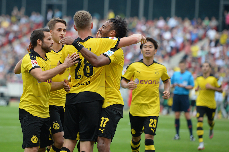 HANOVER, GERMANY - SEPTEMBER 12:  Pierre-Emerick Aubameyang of Dortmund celebrates scoring his goal during the Bundesliga match between Hannover 96 and  Borussia Dortmund at HDI-Arena on September 12, 2015 in Hanover, Germany.  (Photo by Nigel Treblin/Bongarts/Getty Images)