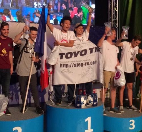 フリースタイルフットボール世界大会で日本の「ALEG-Re」が結成10年目で初戴冠