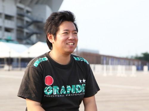 【日本代表サポーターの実像】応援のコールに手を上げて応えてくれる選手がいる。それこそが僕らサポーターの誇り
