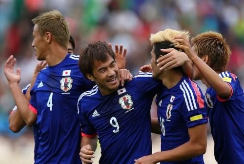 シリアを追いかける日本、2試合で浮き出た課題はFW岡崎慎司の生かし方