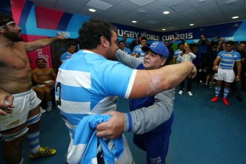 マラドーナ氏がラグビーアルゼンチン代表を激励…試合中は大はしゃぎ