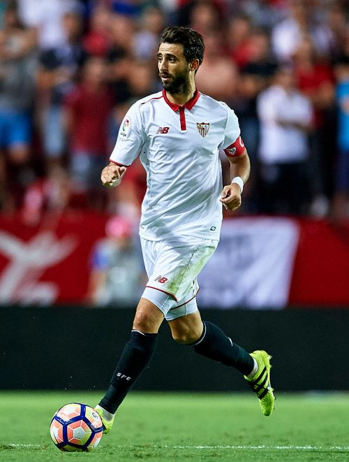 SEVILLE, SPAIN - AUGUST 20:  Nicolas Pareja of Sevilla FC in action during the match between Sevilla FC vs RCD Espanyol as part of La Liga at Estadio Ramon Sanchez Pizjuan on August 20, 2016 in Seville, Spain.  (Photo by Aitor Alcalde/Getty Images)