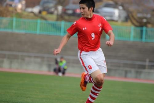 悪天候による再試合を制した秋田商業…福岡出身の高性能アタッカー、青山和樹「狙いどおりのゴール」