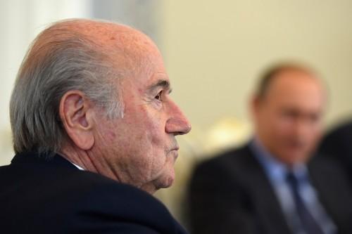 FIFA倫理委員会、即時退任拒否のブラッター会長を90日間の資格停止へ