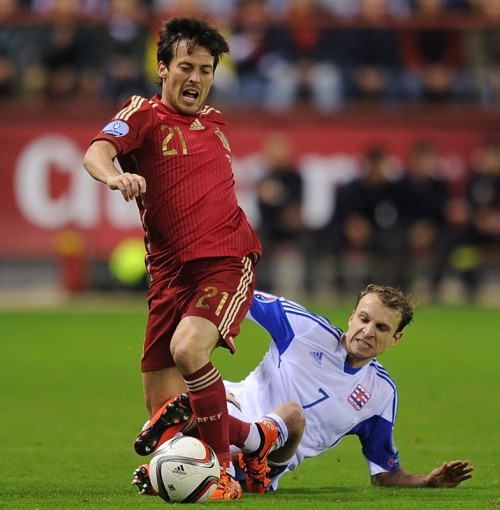 スペイン代表MFシルバがユーロ予選で右足首を負傷…全治約3週間か