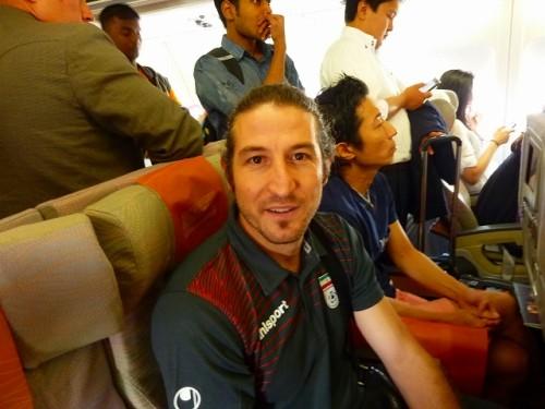 移動便はエコノミークラス…日本戦を控えたイラン代表の気さくな素顔