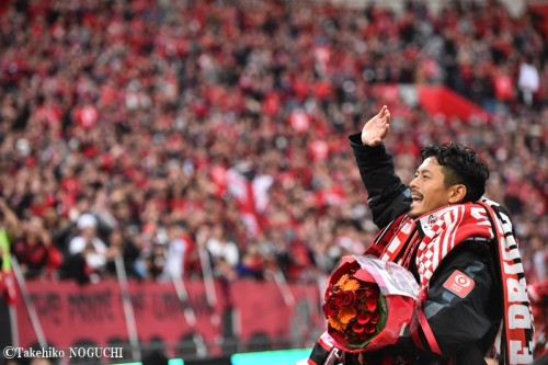 鈴木啓太、退団セレモニーで現役引退を発表「浦和の男で終わります」