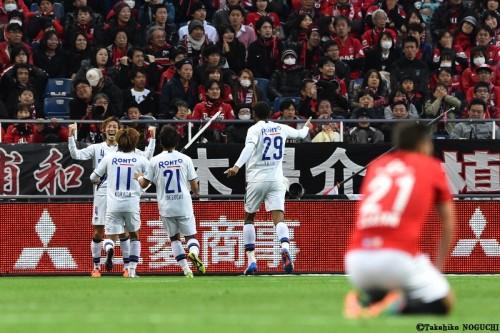 年間3位G大阪、下克上で浦和を破りCS決勝進出…藤春が延長劇的ボレー弾
