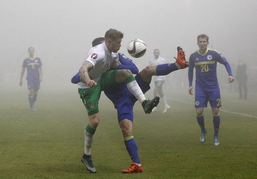 濃霧のなかでの一戦はドロー…ボスニアは主将のジェコが同点ゴール