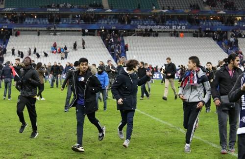 パリで同時テロ…フランス代表戦は予定通り開催も観客がピッチに避難