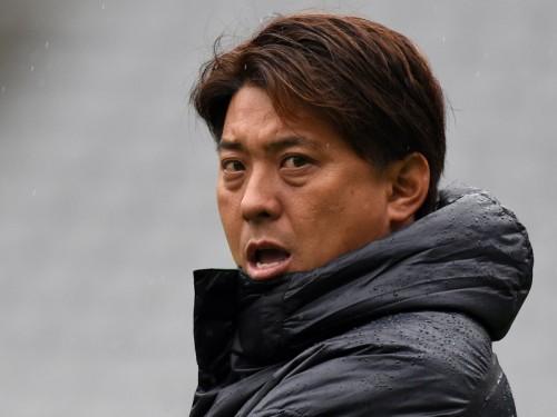 プレーオフ滑り込みを狙う東京V、冨樫剛一監督との契約更新を発表