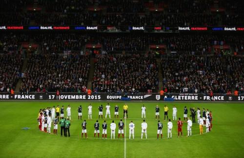 テロ犠牲者の追悼試合はイングランドに軍配…19歳アリのデビュー弾で仏に勝利