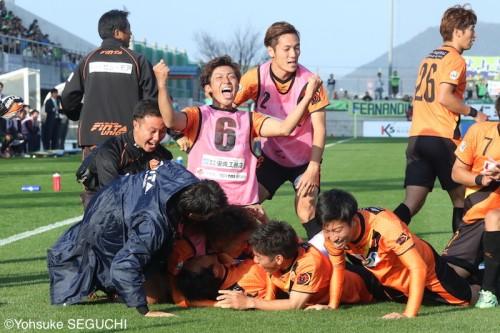 山口が劇的ドローでJ3優勝&J2昇格…2位町田は入れ替え戦へ/J3最終節