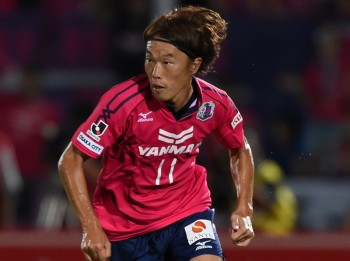 KAWASAKI, JAPAN - AUGUST 16:  (EDITORIAL ONLY) Jumpei Kusukami of Cerezo Osaka in action during the J.League match between Kawasaki Frontale and Cerezo Osaka at Todoroki Stadium on August 16, 2014 in Kawasaki, Kanagawa,  Japan.  (Photo by Etsuo Hara/Getty Images)