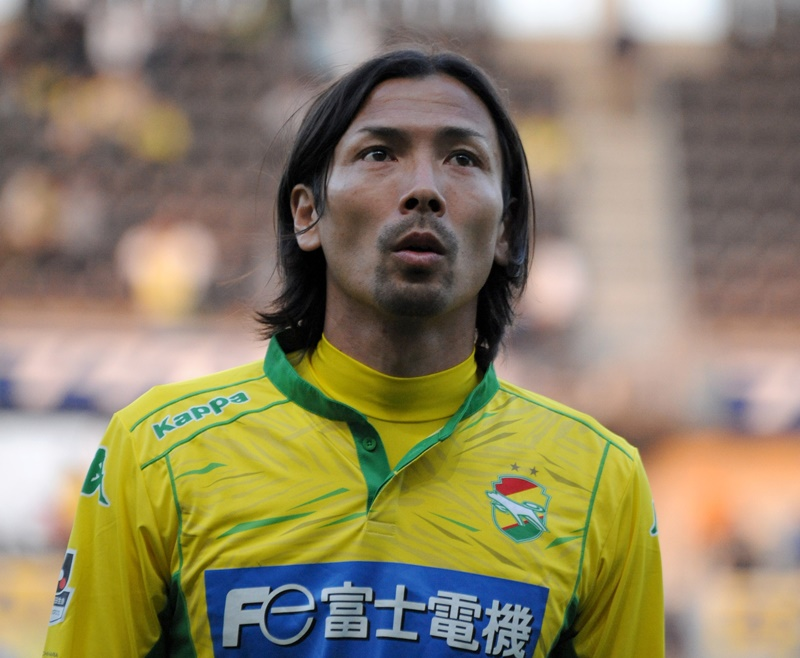 元日本代表FW鈴木隆行が現役引退...