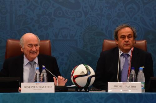 FIFA、ブラッター会長とプラティニ副会長に8年間の活動停止処分