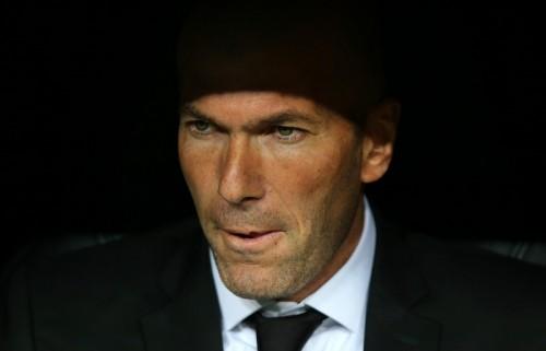 """レアルがベニテス監督解任か…ファンは圧倒的に""""ジダン監督""""を支持"""