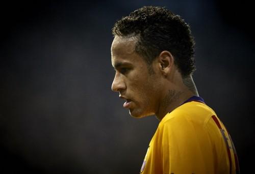 ネイマールが左足内転筋を負傷…クラブW杯出場に向け時間との戦い