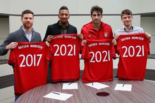 バイエルン、X・アロンソやミュラーら4選手との契約更新を発表