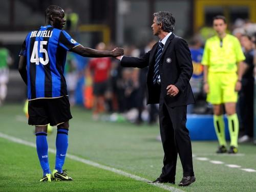 バロテッリ、チェルシー退任モウリーニョを擁護「素晴らしい監督」