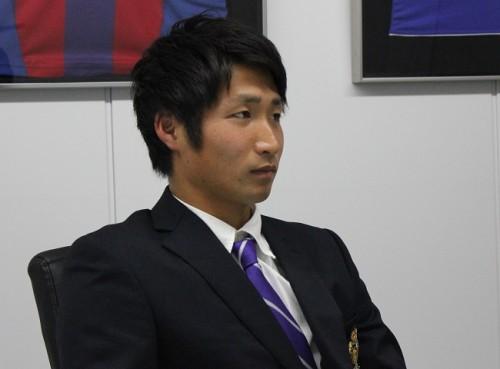 選手権優勝から4年、明治大不動のエースが名古屋へ。スター街道を歩む和泉竜司「4つのクラブからグランパスを選んだ」