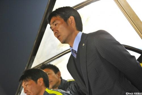 逆転勝利のチームを称える森保監督…広島の勝因は「反発力と継続力」