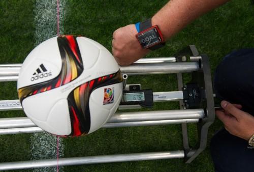 UEFA、ユーロ2016でゴールラインテクノロジーを導入…来季CLでも