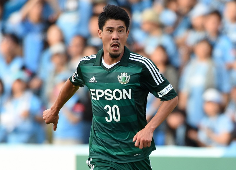 KAWASAKI, JAPAN - JUNE 20:  (EDITORIAL USE ONLY) Ryusuke Sakai of Matsumoto Yamaga in action during the J.League match between Kawasaki Frontale and Matsumoto Yamaga at Todoroki Stadium on June 20, 2015 in Kawasaki, Kanagawa, Japan.  (Photo by Etsuo Hara/Getty Images)
