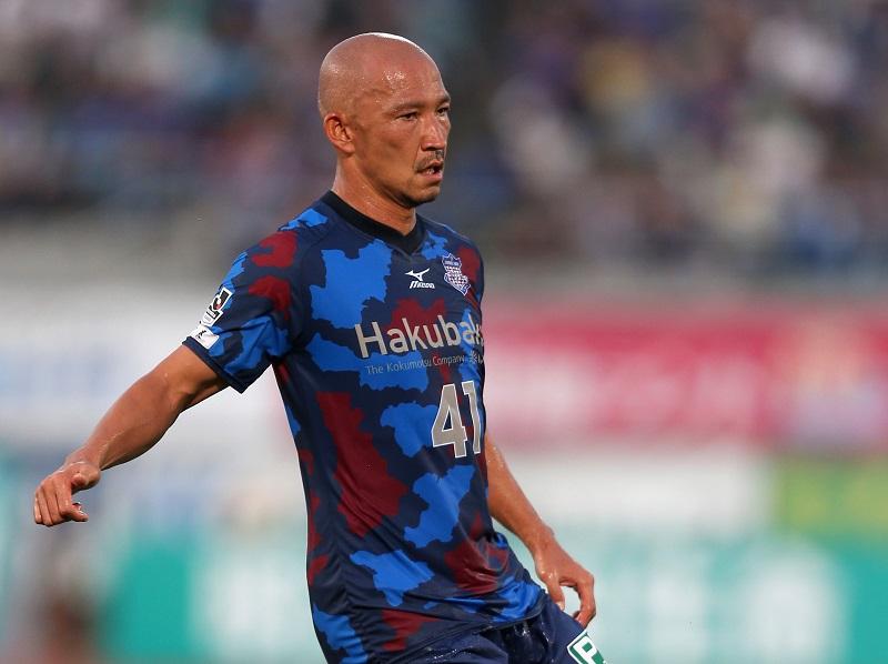 (EDITORIAL USE ONLY) xxx during the J.League match between Ventforet Kofu and Matsumoto Yamaga at Yamanashi Chuo Bank Stadium on July 25, 2015 in Kofu, Yamanashi, Japan.