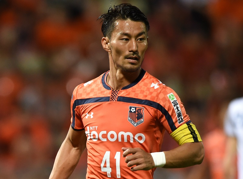 SAITAMA, JAPAN - JULY 22: (EDITORIAL USE ONLY) Akihiro Ienaga of Omiya Ardija in action during the J.League second division match between Omiya Ardija and Yokohama FC at Nack 5 Stadium Omiya on July 22, 2015 in Saitama, Japan. (Photo by Etsuo Hara/Getty Images)