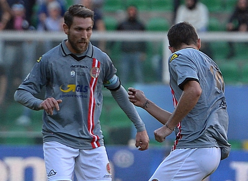 Aleksandar Trajkovski of Us Citta di Palermo in action during the TIM Cup match between US Citta di Palermo and US Alessandria at Stadio Renzo Barbera on December 2, 2015 in Palermo, Italy.