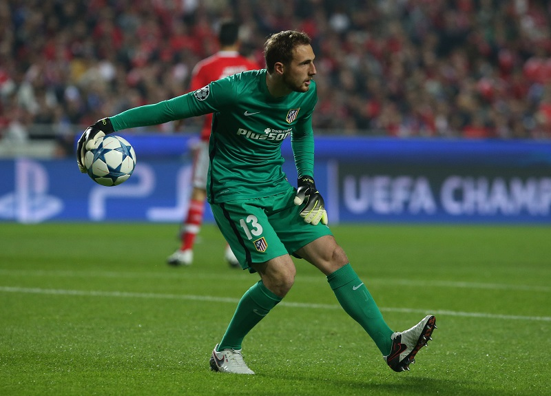 LISBON, PORTUGAL - DECEMBER 8:  Club Atletico de Madrid's goalkeeper Jan Oblak in action during the UEFA Champions League match between SL Benfica and Club Atletico de Madrid at Estadio da Luz, on December 8, 2015 in Lisbon, Portugal.  (Photo by Gualter Fatia/Getty Images)