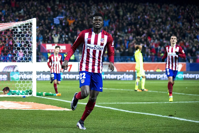 MADRID, SPAIN - JANUARY 02:  Thomas Teye Partey of Atletico de Madrid celebrates scoring their opening goal during the La Liga match between Club Atletico de Madrid and Levante UD at Vicente Calderon Stadium on January 2, 2016 in Madrid, Spain.  (Photo by Gonzalo Arroyo Moreno/Getty Images)