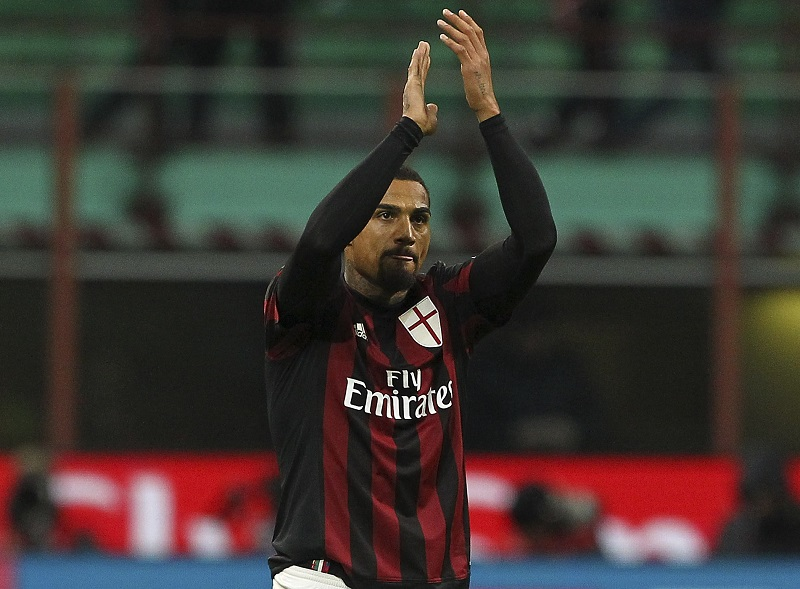 during the Serie A match between AC Milan and ACF Fiorentina at Stadio Giuseppe Meazza on January 17, 2016 in Milan, Italy.