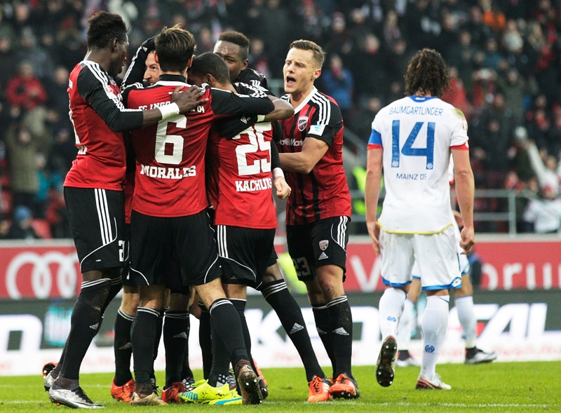 INGOLSTADT, GERMANY - JANUARY 23:  Moritz Hartmann of Ingolstadt 04 is congratulated after scoring a penalty goal during the Bundesliga match between FC Ingolstadt and FSV Mainz at Audi Sportpark on January 23, 2016 in Ingolstadt, Germany.  (Photo by Adam Pretty/Bongarts/Getty Images)
